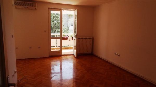 Квартира в Игало, Черногория, 79 м2 - фото 1