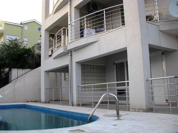 Квартира в Херцеге Нови, Черногория, 43 м2 - фото 1