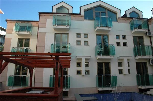Отель, гостиница в Бечичи, Черногория, 981 м2 - фото 1