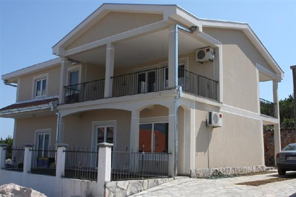 Дом в Тивате, Черногория, 500 м2 - фото 1