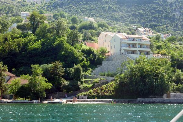 Квартира в Прчани, Черногория, 67 м2 - фото 1