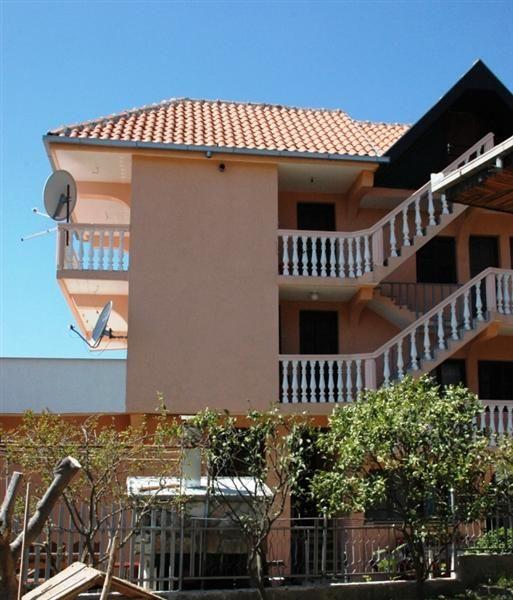 Дом в Шушани, Черногория, 400 м2 - фото 1