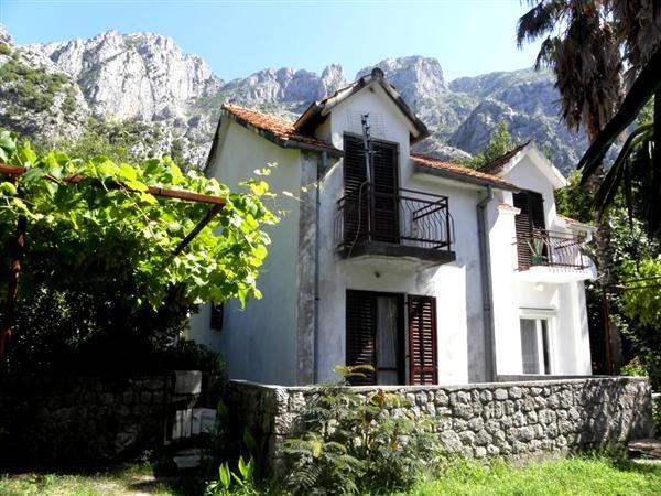 Дом в Ораховаце, Черногория, 71 м2 - фото 1