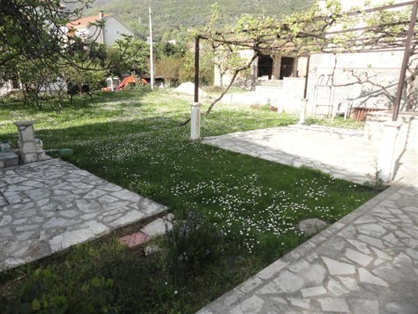 Дом в Тивате, Черногория, 148 м2 - фото 1