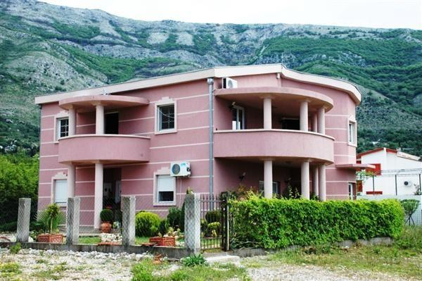 Отель, гостиница в Сутоморе, Черногория, 200 м2 - фото 1