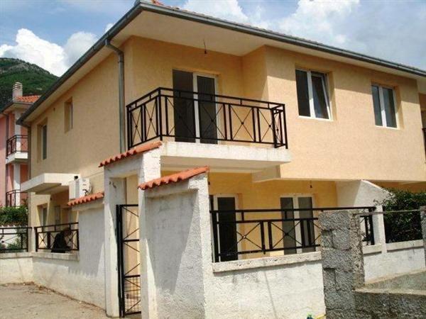 Дом в Дженовичах, Черногория, 150 м2 - фото 1