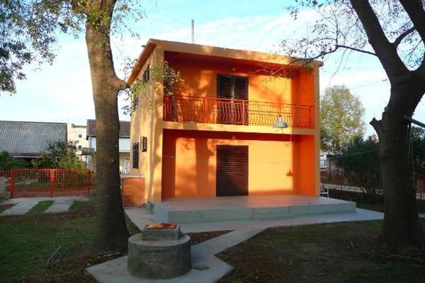 Дом в Улцине, Черногория, 396 м2 - фото 1