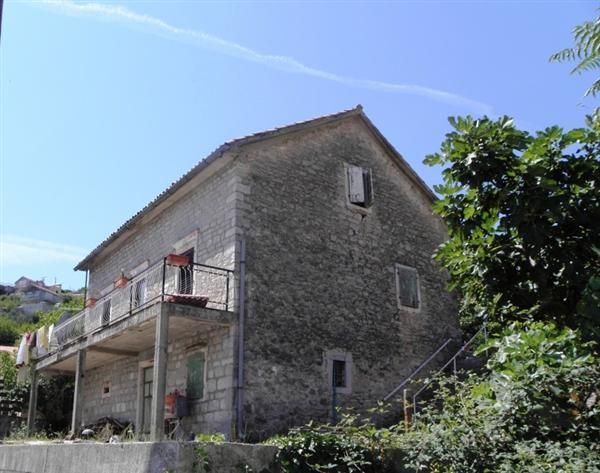 Дом в Каменари, Черногория, 639 м2 - фото 1