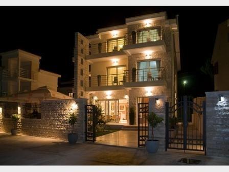 Отель, гостиница в Херцеге Нови, Черногория, 600 м2 - фото 1