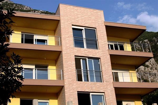 Квартира в Доброте, Черногория, 58 м2 - фото 1