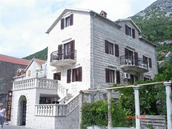 Отель, гостиница в Перасте, Черногория, 360 м2 - фото 1