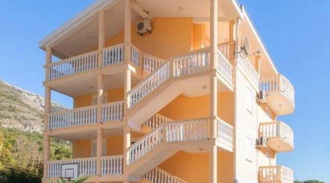 Отель, гостиница в Сутоморе, Черногория, 400 м2 - фото 1