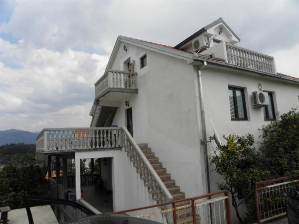 Отель, гостиница в Тивате, Черногория, 280 м2 - фото 1