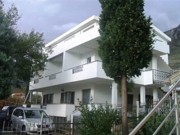 Отель, гостиница в Сутоморе, Черногория, 240 м2 - фото 1