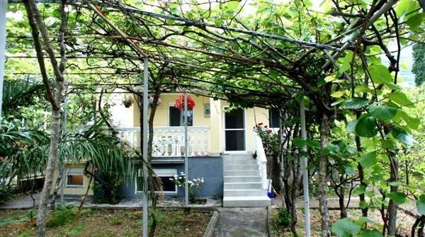 Дом в Сутоморе, Черногория, 458 м2 - фото 1