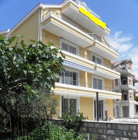 Квартира в Дженовичах, Черногория, 100 м2 - фото 1