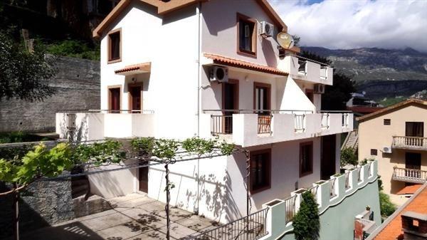 Дом в Будве, Черногория, 235 м2 - фото 1