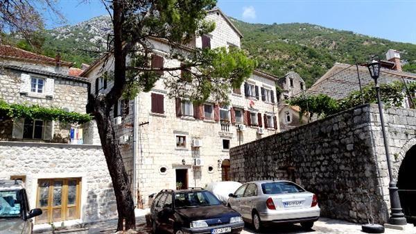 Квартира в Перасте, Черногория, 64 м2 - фото 1