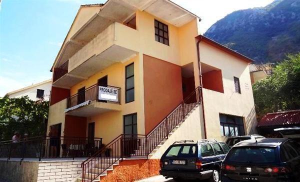 Дом в Прчани, Черногория, 333 м2 - фото 1