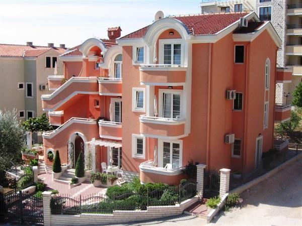 Отель, гостиница в Петроваце, Черногория, 600 м2 - фото 1