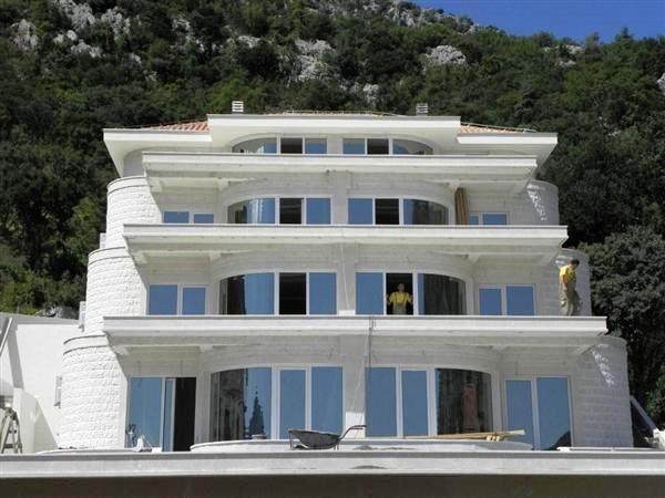 Квартира в Рисане, Черногория, 92 м2 - фото 1