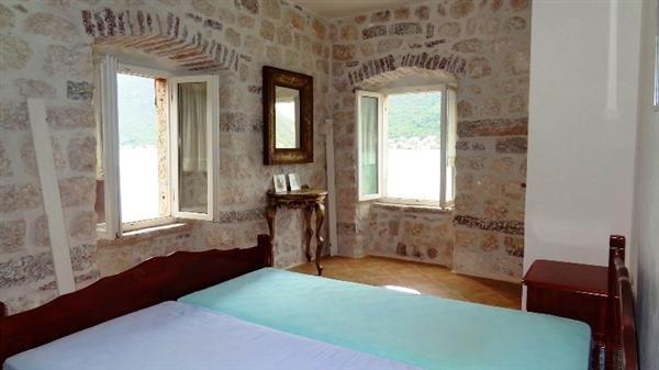 Квартира в Перасте, Черногория, 60 м2 - фото 1