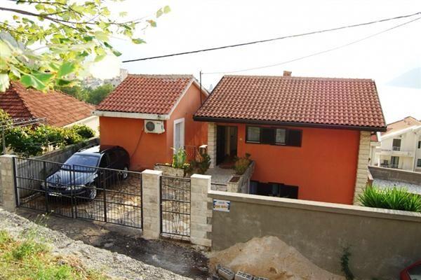 Дом в Рисане, Черногория, 160 м2 - фото 1