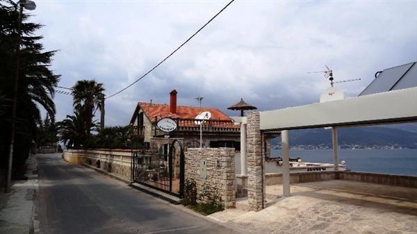 Отель, гостиница в Крашичах, Черногория, 370 м2 - фото 1