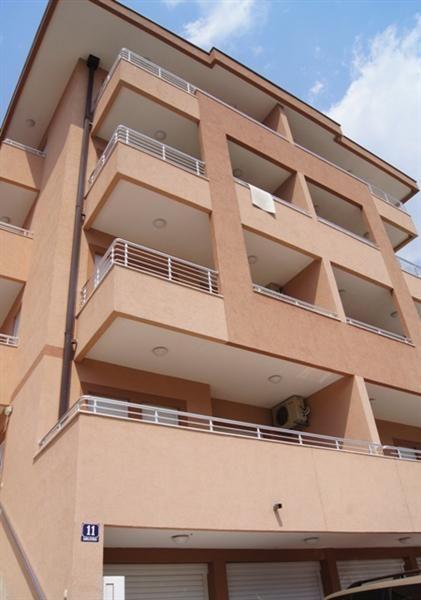 Квартира в Игало, Черногория, 58 м2 - фото 1