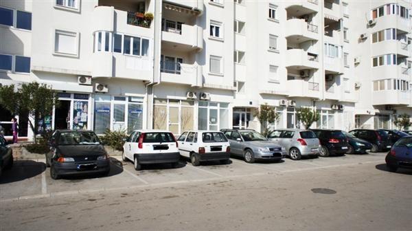 Отель, гостиница в Баре, Черногория, 28 м2 - фото 1