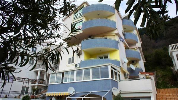 Квартира в Будве, Черногория, 75 м2 - фото 1