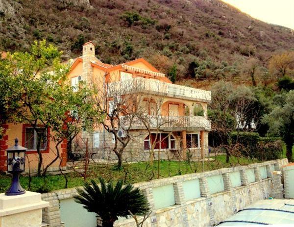 Дом в Столиве, Черногория, 700 м2 - фото 1