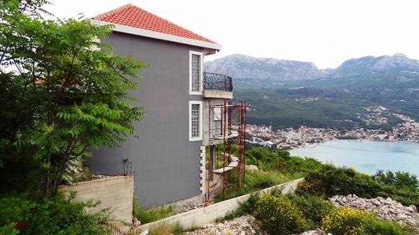 Дом в Херцеге Нови, Черногория, 260 м2 - фото 1