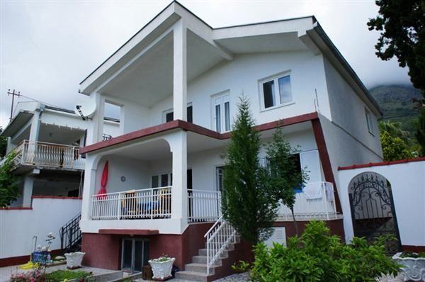 Дом в Сутоморе, Черногория, 265 м2 - фото 1