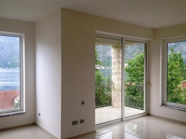 Квартира в Прчани, Черногория, 52 м2 - фото 1