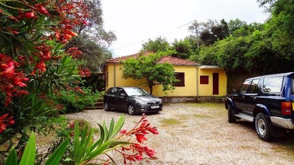 Дом в Прчани, Черногория, 115 м2 - фото 1