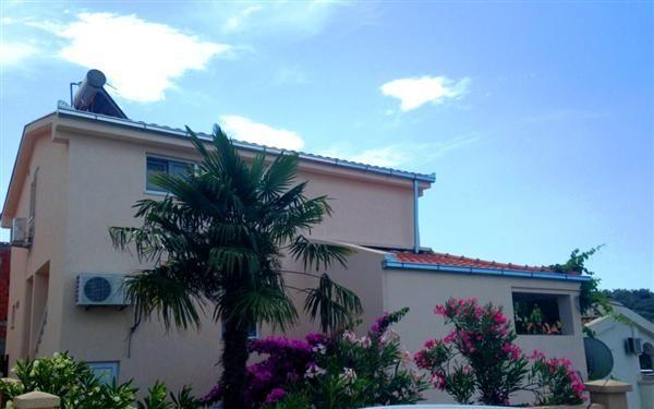 Дом в Утехе, Черногория, 189 м2 - фото 1