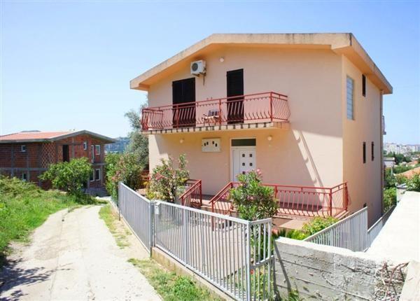 Дом в Баре, Черногория, 346 м2 - фото 1