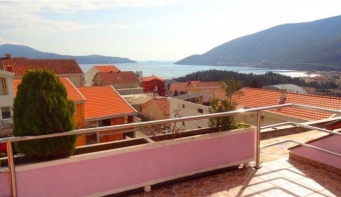 Дом в Игало, Черногория, 350 м2 - фото 1