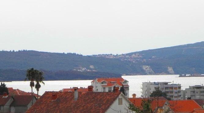Дом в Тивате, Черногория, 951 м2 - фото 1