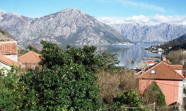 Дом в Рисане, Черногория, 558 м2 - фото 1