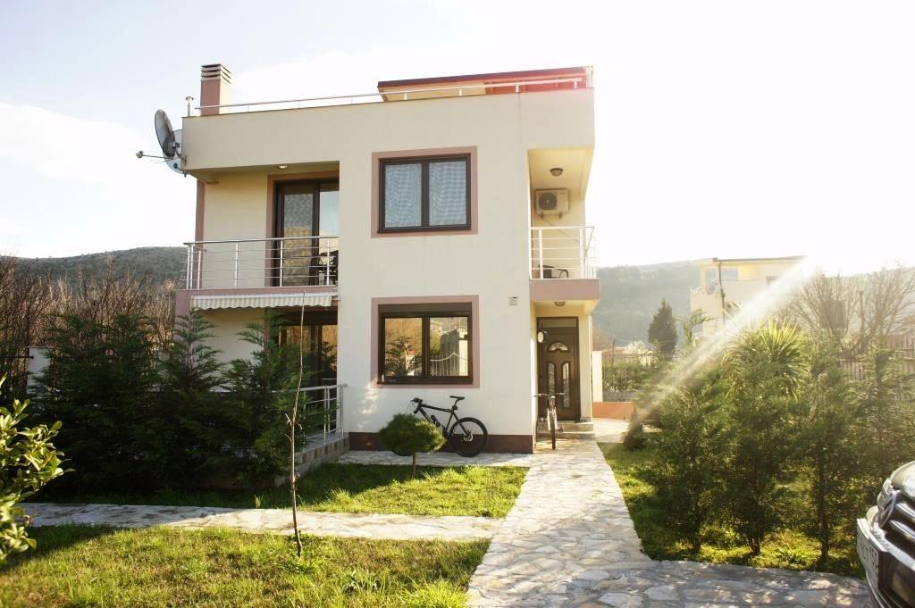 Дом в Баре, Черногория, 211 м2 - фото 1
