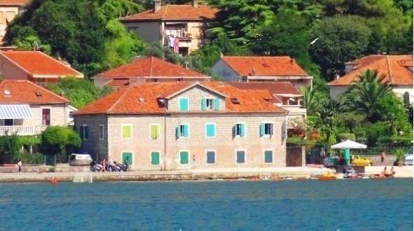 Отель, гостиница в Доброте, Черногория, 240 м2 - фото 1