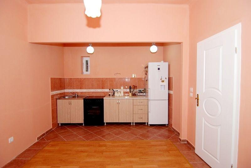 Квартира в Цетине, Черногория, 90 м2 - фото 1