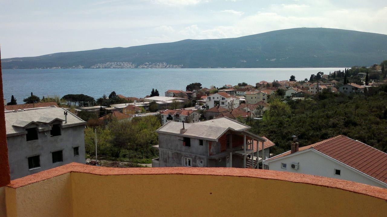 Квартира в Биеле, Черногория, 55 м2 - фото 1