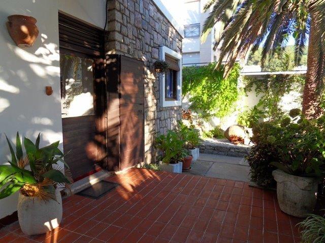Дом в Будве, Черногория, 413 м2 - фото 1