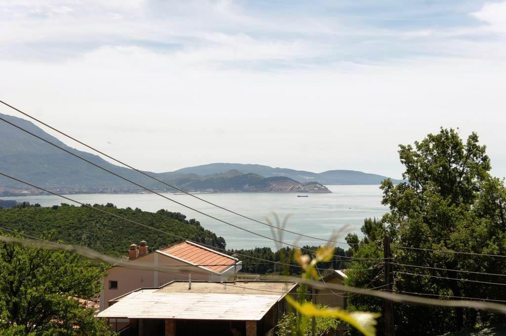 Дом в Сутоморе, Черногория, 403 м2 - фото 1