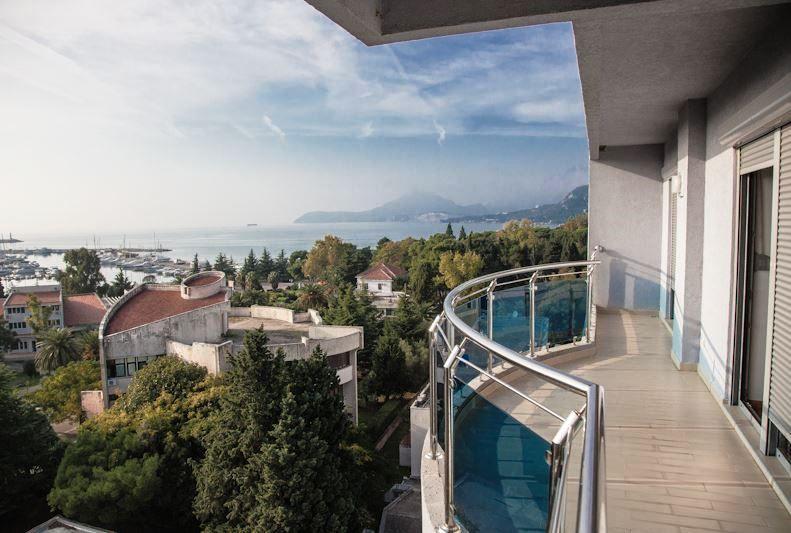 Квартира в Баре, Черногория, 66 м2 - фото 1