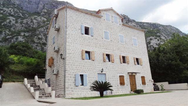 Квартира в Доброте, Черногория, 42 м2 - фото 1