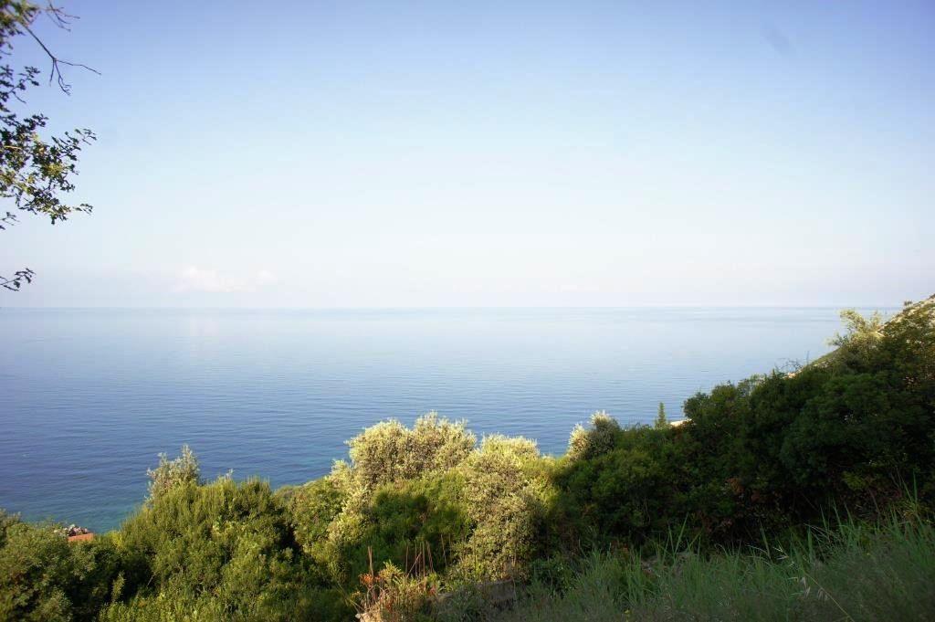 Земля в Добра Воде, Черногория, 600 м2 - фото 1